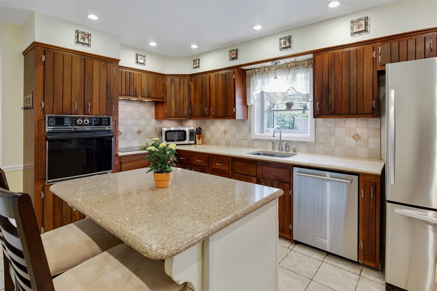 Real Estate Photography - 2515 Raven Rd, Wilmington, DE, 19810 - Quartz countertops in the kitchen