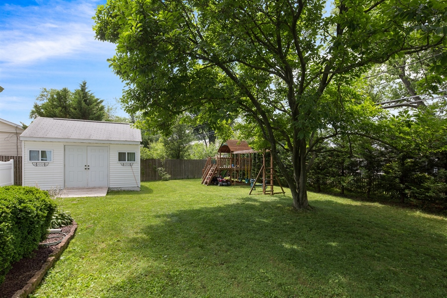 Real Estate Photography - 2515 Raven Rd, Wilmington, DE, 19810 - Huge flat back yard with shed/ extra storage space