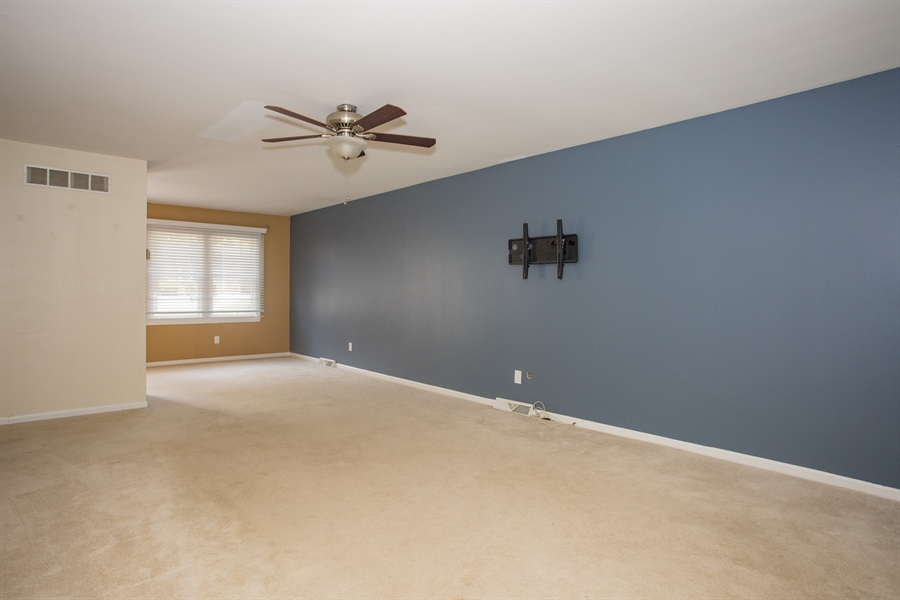 Real Estate Photography - 4813 Plum Run Ct, Wilmington, DE, 19808 - Living Room
