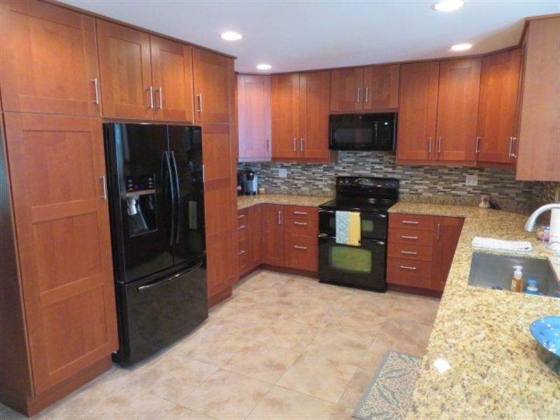 Real Estate Photography - 678 Lorewood Grove Rd, Middletown, DE, 19709 - Kitchen