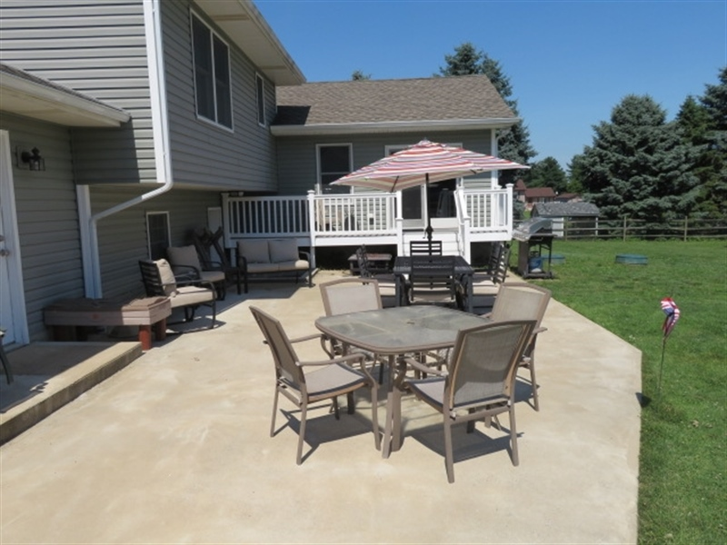 Real Estate Photography - 678 Lorewood Grove Rd, Middletown, DE, 19709 - Rear Patio