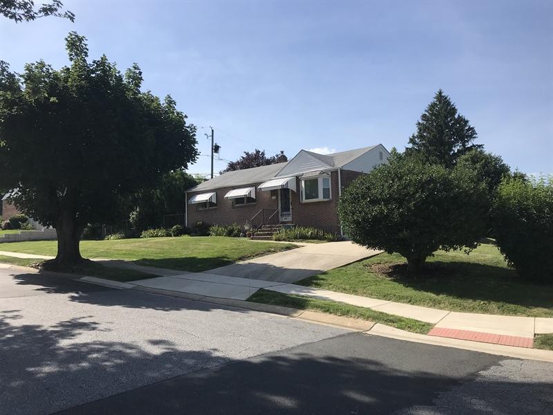 Real Estate Photography - 203 Valley Rd, Wilmington, DE, 19804 - Location 3