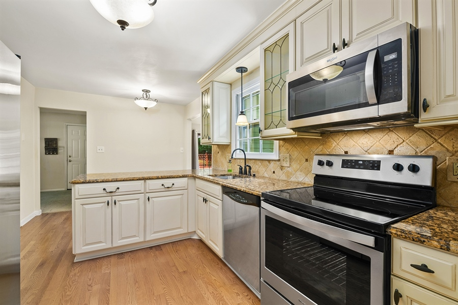 Real Estate Photography - 122 Kirkcaldy Dr, Elkton, MD, 21921 - KITCHEN - granite counters