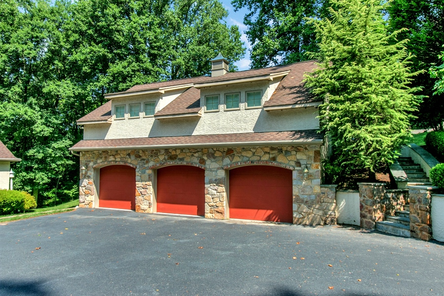 Real Estate Photography - 112 Deer Valley Ln, Greenville, DE, 19807 - 3 Car Detached Garage w Guest Suite/Office Above