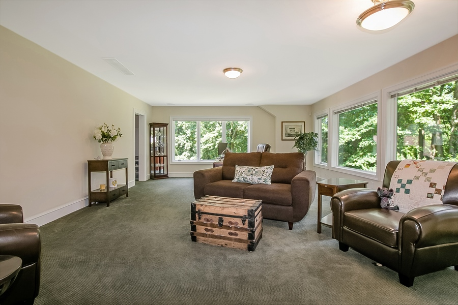 Real Estate Photography - 112 Deer Valley Ln, Greenville, DE, 19807 - Guest Suite LR