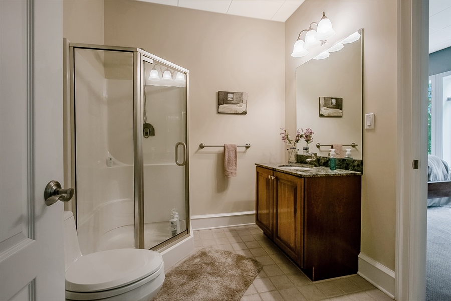 Real Estate Photography - 112 Deer Valley Ln, Greenville, DE, 19807 - Lower Level Full Bath