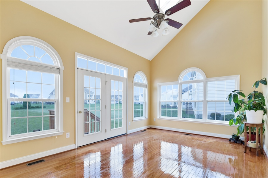 Real Estate Photography - 26 Kirkcaldy Ln, Middletown, DE, 19709 - Bright and airy sunroom