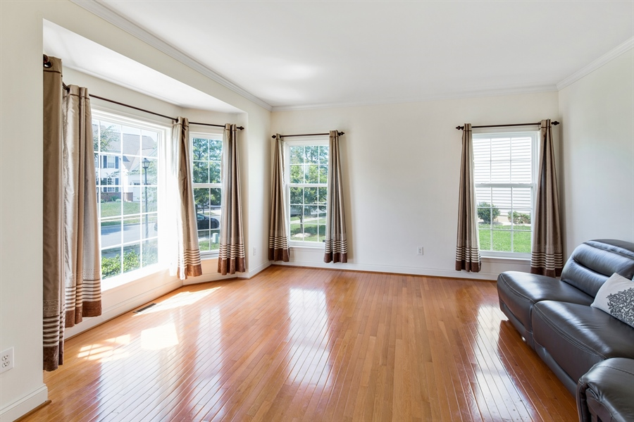 Real Estate Photography - 26 Kirkcaldy Ln, Middletown, DE, 19709 - Master bed sitting area