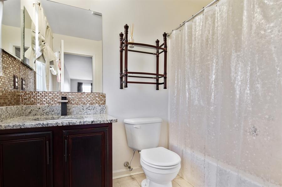 Real Estate Photography - 26 Kirkcaldy Ln, Middletown, DE, 19709 - Princess suite bathroom