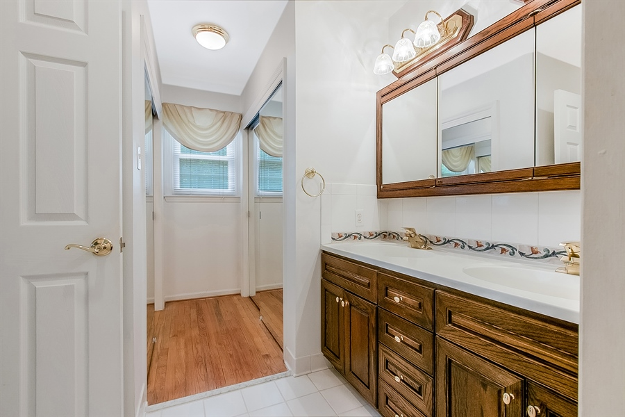 Real Estate Photography - 109 Bridleshire Ct, Newark, DE, 19711 - Dressing Area w/ Mirrored Closets