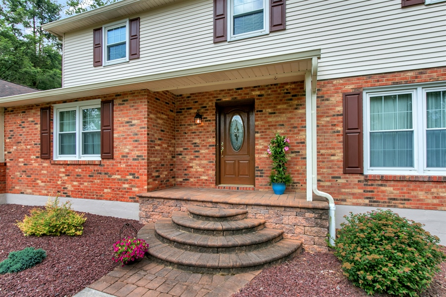 Real Estate Photography - 109 Bridleshire Ct, Newark, DE, 19711 - Paver Steps and Porch