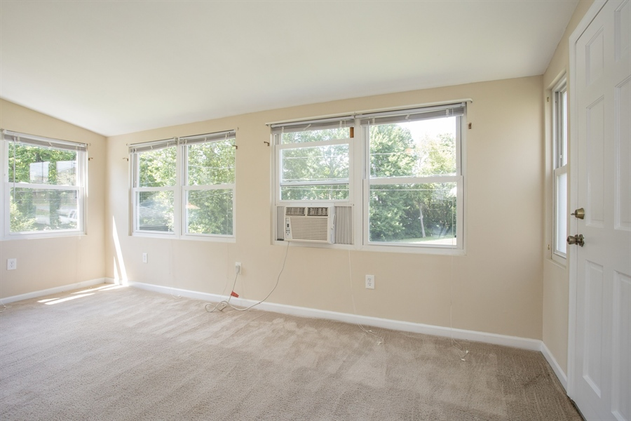 Real Estate Photography - 1806 School Ln, Wilmington, DE, 19808 - Family Room