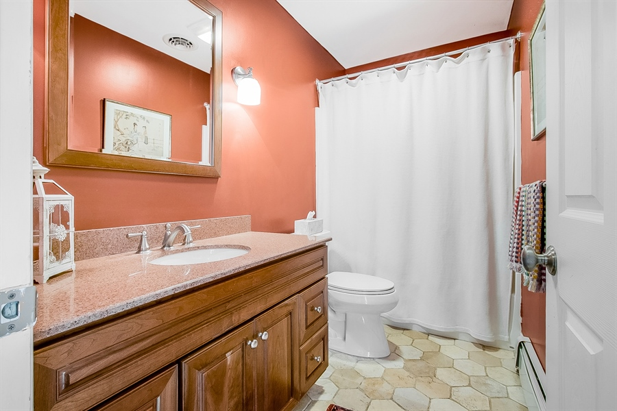 Real Estate Photography - 3112 Centerville Rd, Greenville, DE, 19807 - Upper Level - Hall Bathroom