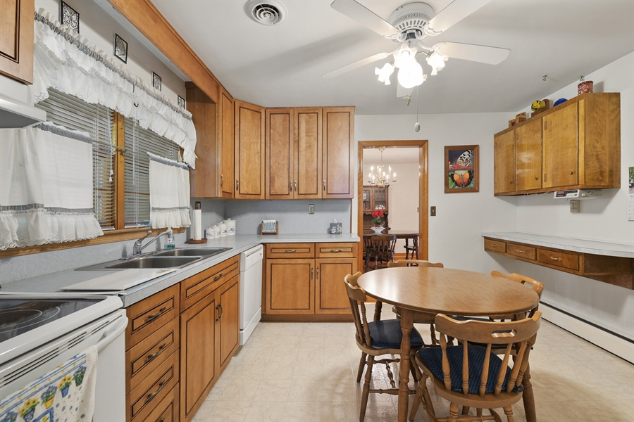 Real Estate Photography - 203 Friendship Rd, Elkton, MD, 21921 - KITCHEN W UPDATED CABINETS