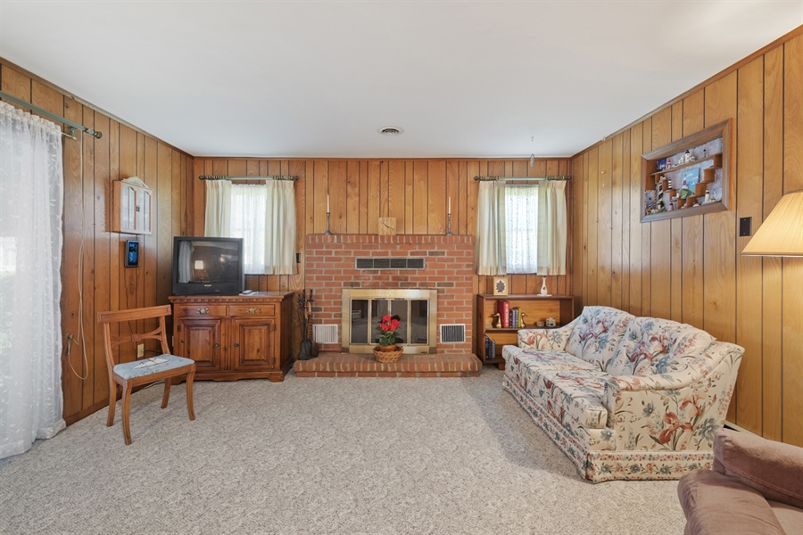 Real Estate Photography - 203 Friendship Rd, Elkton, MD, 21921 - FAMILY RM W FIREPLACE