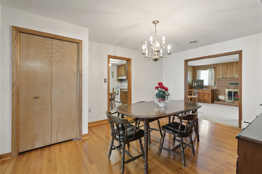 Real Estate Photography - 203 Friendship Rd, Elkton, MD, 21921 - DINING RM TO FAMILY RM