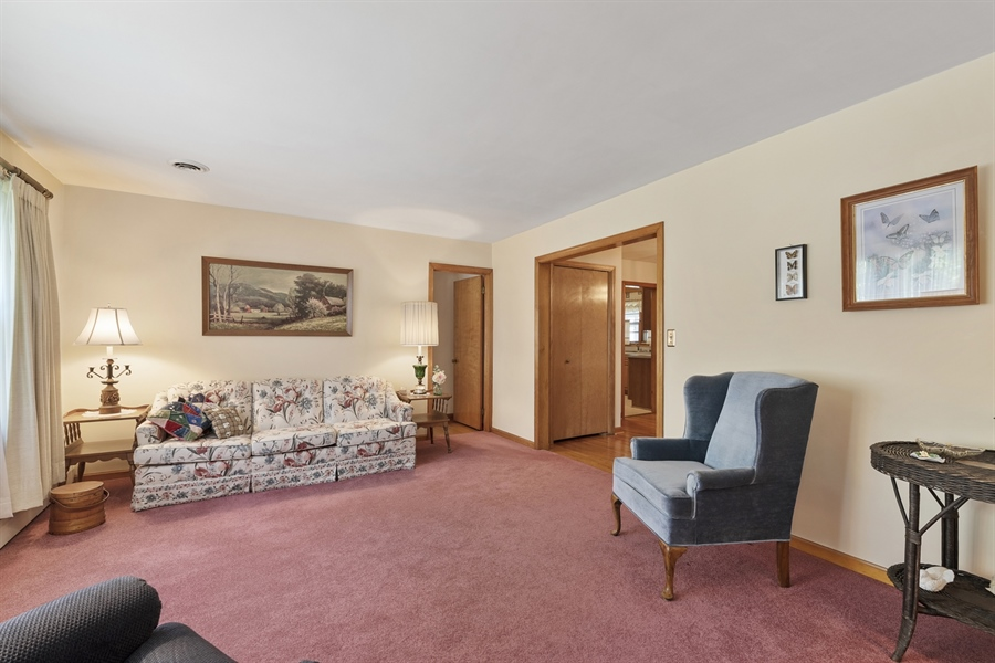 Real Estate Photography - 203 Friendship Rd, Elkton, MD, 21921 - LIVING ROOM