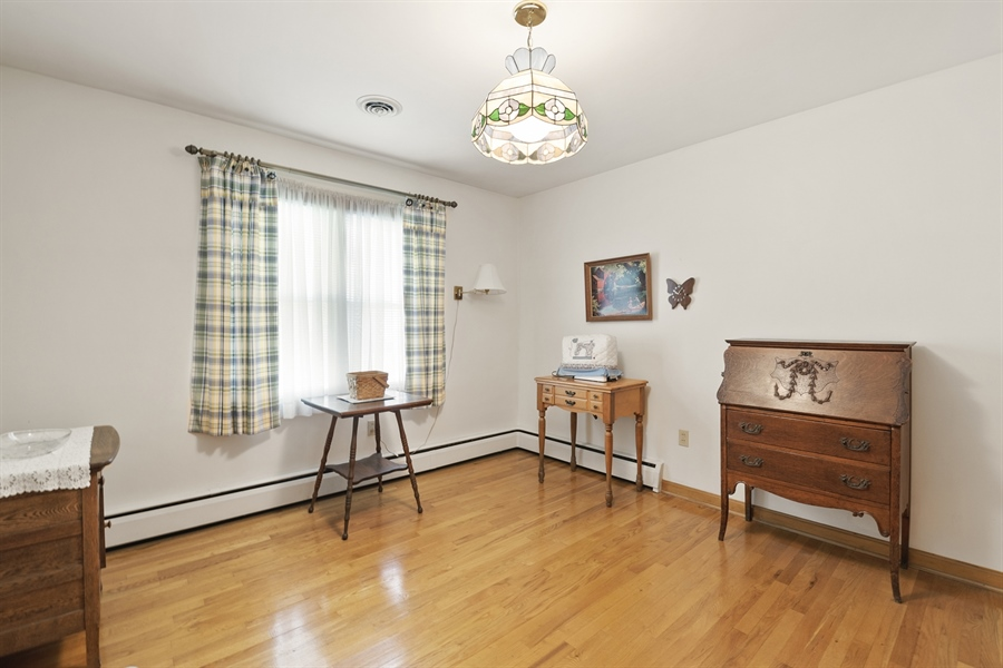 Real Estate Photography - 203 Friendship Rd, Elkton, MD, 21921 - BEDROOM 3 OR OFFICE