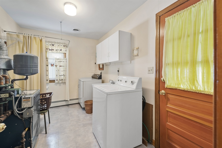 Real Estate Photography - 203 Friendship Rd, Elkton, MD, 21921 - LAUNDRY/UTILITY ROOM