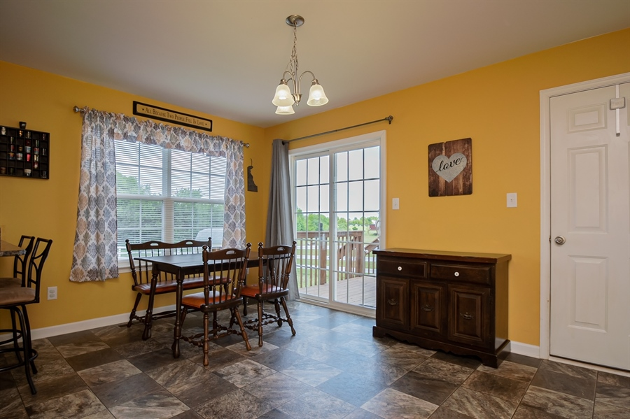 Real Estate Photography - 40 Lawrence Ln, Smyrna, DE, 19977 - Dining Area