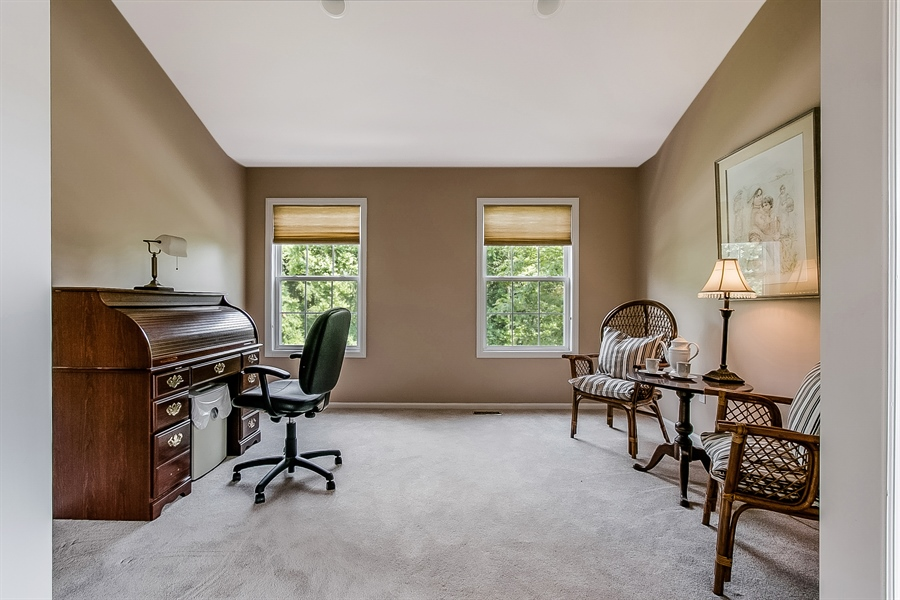 Real Estate Photography - 512 Thorndale Dr, Hockessin, DE, 19707 - Master Bedroom Sitting Area