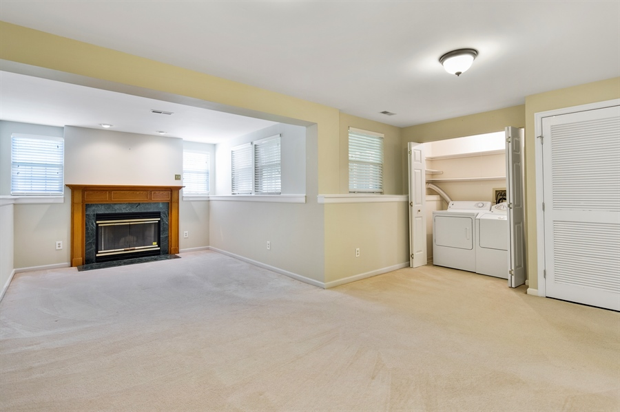 Real Estate Photography - 253 Sloan Ct, Wilmington, DE, 19808 - Family room w/ 11'x11' bump out & laundry closet