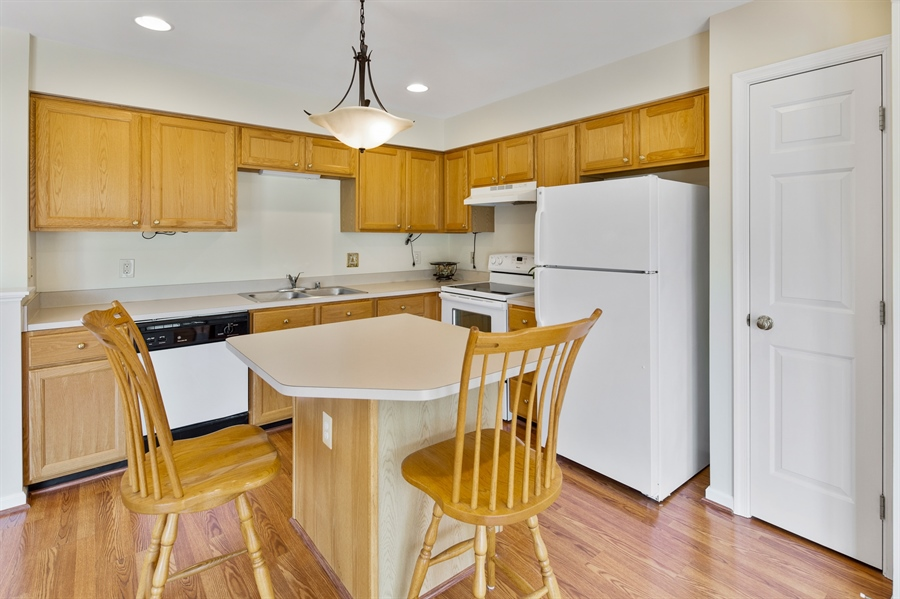 Real Estate Photography - 253 Sloan Ct, Wilmington, DE, 19808 - Country kitchen with island