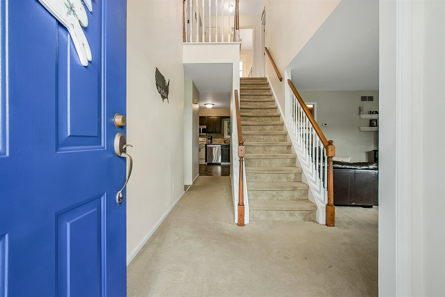 Real Estate Photography - 12 Green Meadow Ct, Newark, DE, 19711 - Two Story Entry Way