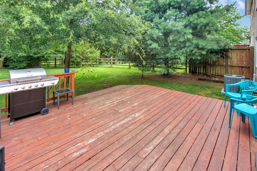 Real Estate Photography - 12 Green Meadow Ct, Newark, DE, 19711 - Rear Deck