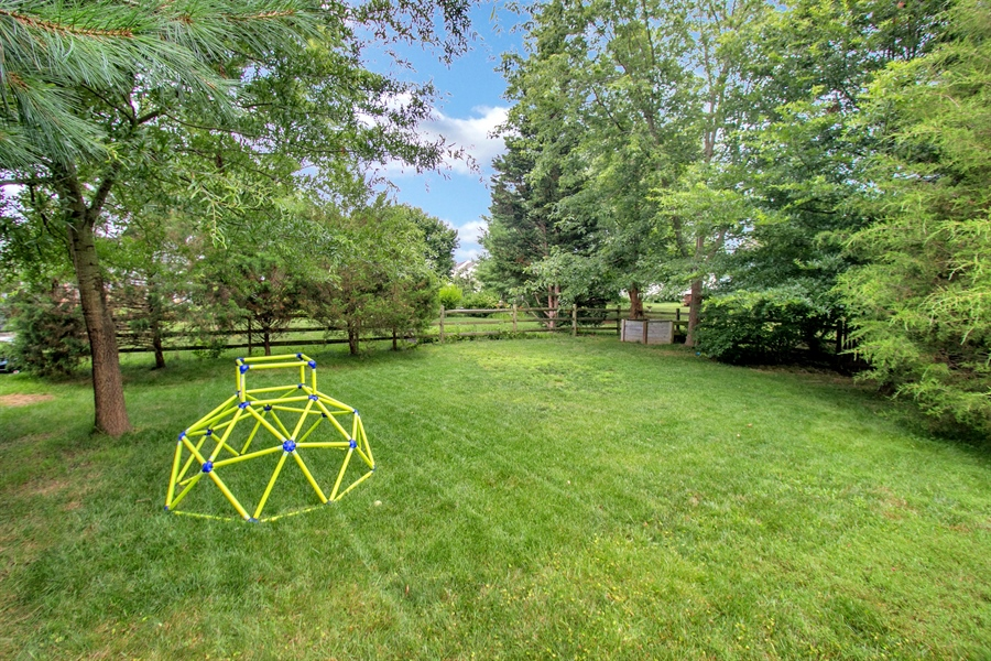 Real Estate Photography - 12 Green Meadow Ct, Newark, DE, 19711 - Private Yard