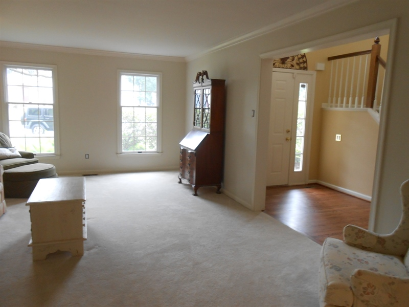 Real Estate Photography - 3 Homestead Ln, Hockessin, DE, 19707 - Living Room With Crown Molding