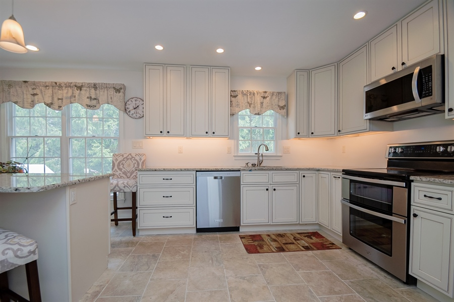 Real Estate Photography - 3 Homestead Ln, Hockessin, DE, 19707 - Granite And Stainless Kitchen