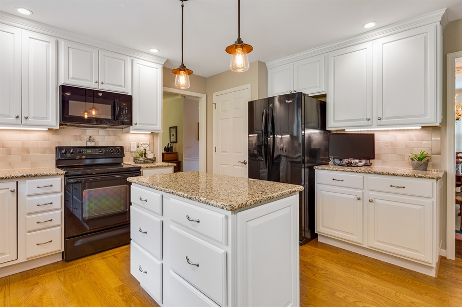 Real Estate Photography - 231 Charleston Dr, Wilmington, DE, 19808 - White Cabinetry w/Granite Counters