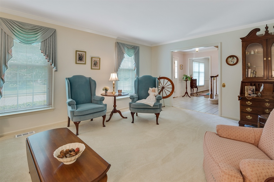 Real Estate Photography - 231 Charleston Dr, Wilmington, DE, 19808 - Formal LR w/Crown Molding