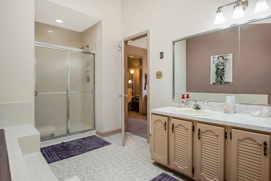 Real Estate Photography - 59 Forest Creek Dr, Hockessin, DE, 19707 - Jetted tub