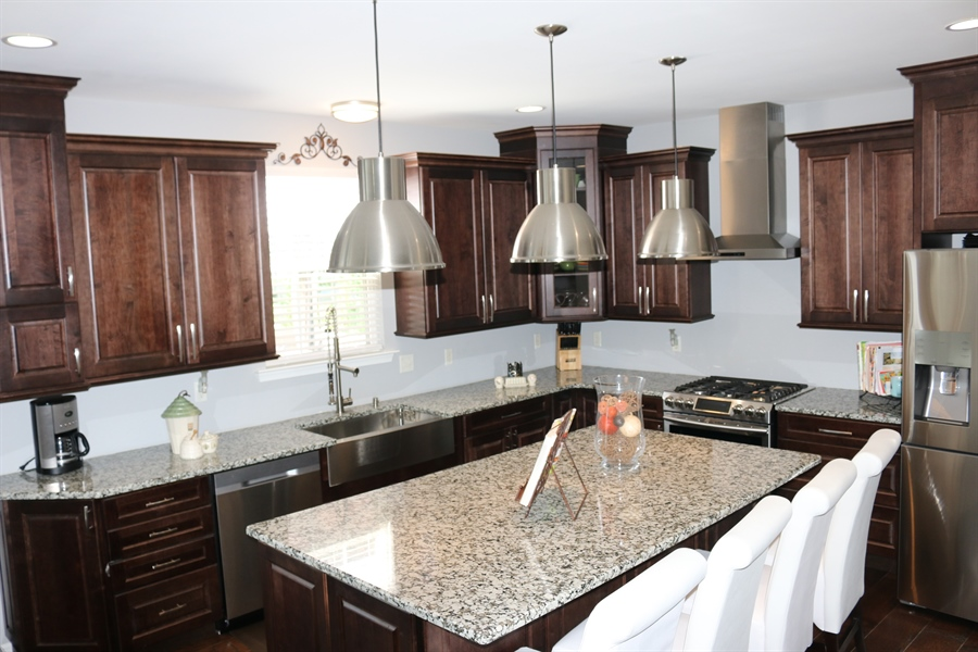 Real Estate Photography - 127 Willow Grove Mill Dr, Middletown, DE, 19709 - Industrial Chic Pendants