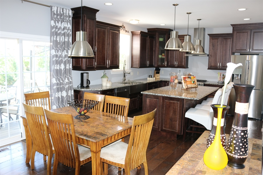 Real Estate Photography - 127 Willow Grove Mill Dr, Middletown, DE, 19709 - Bluetooth & Wi-Fi Wall Mount Chimney Range Hood