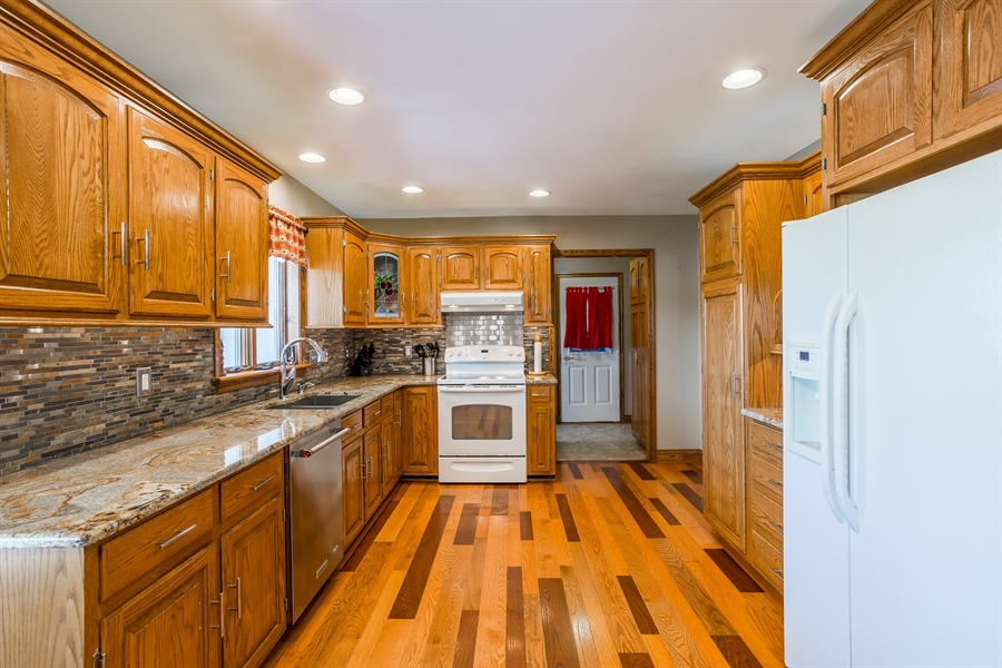 Real Estate Photography - 281 Marjorie Ln, Harrington, DE, 19952 - UPDATED KITCHEN WITH AMISH BUILT CABINETRY