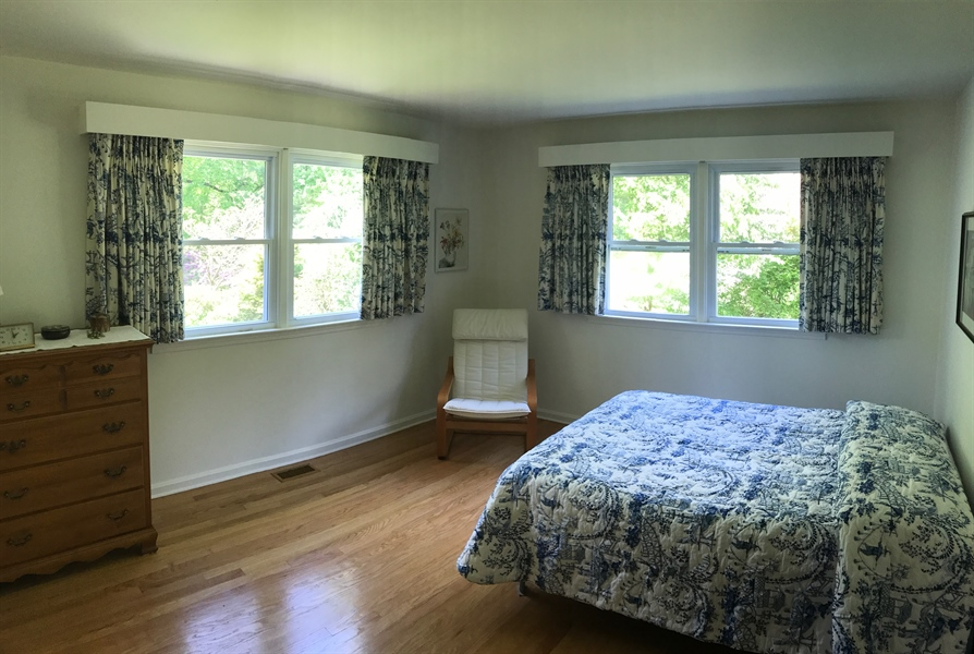 Real Estate Photography - 211 Saturn Dr, Newark, DE, 19711 - First floor master bedroom