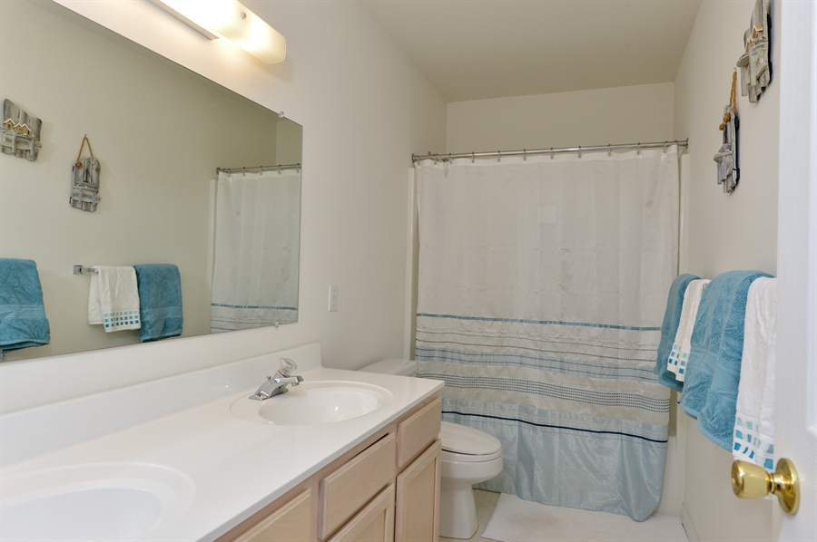 Real Estate Photography - 118 North East Isles Drive, North East, DE, 21901 - Upper Level Large Full Bath