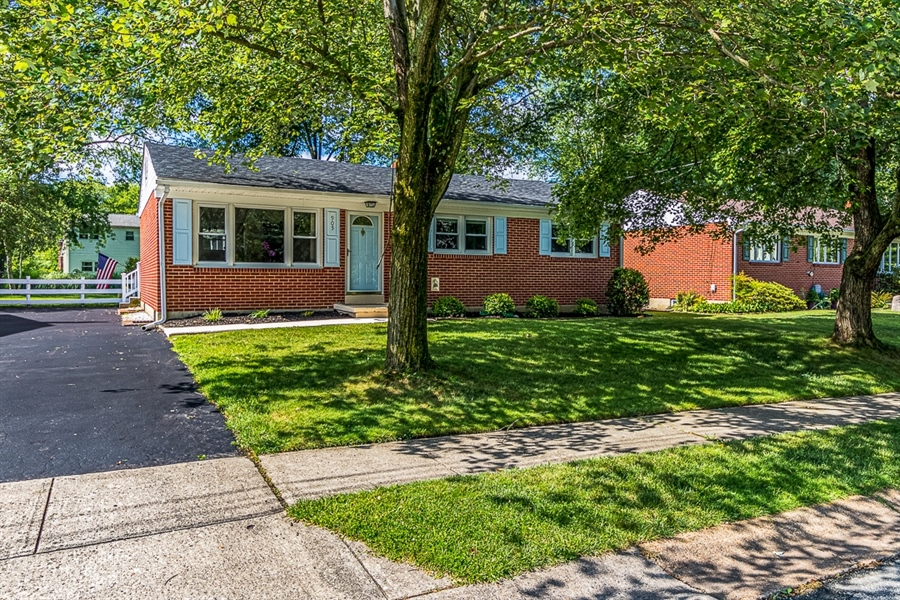 Real Estate Photography - 905 Rahway Dr, Newark, DE, 19711 - Location 1