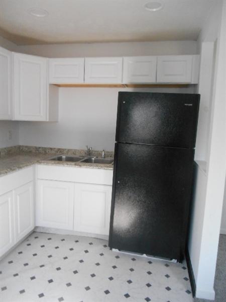 Real Estate Photography - 113 Vilone Rd, Wilmington, DE, 19805 - Kitchen