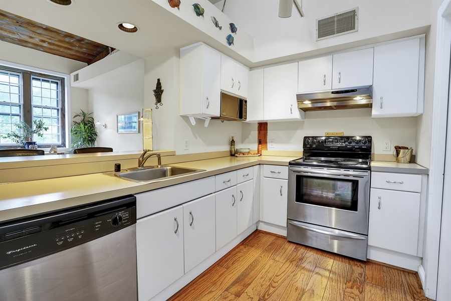 Real Estate Photography - 49 Bancroft Mills Road #P8, P8, Wilmington, DE, 19806-2030 - Location 16