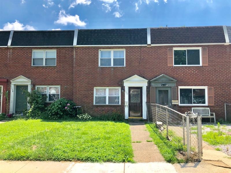 Real Estate Photography - 1352 Maple Ave, Wilmington, DE, 19805 - Location 1