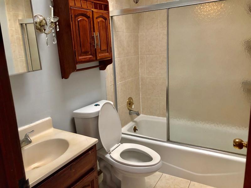 Real Estate Photography - 1352 Maple Ave, Wilmington, DE, 19805 - Hall Full Bath