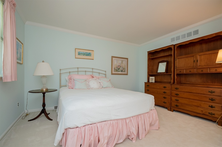 Real Estate Photography - 11 Tenby Chase Dr, Newark, DE, 19711 - Rear Guest Bedroom