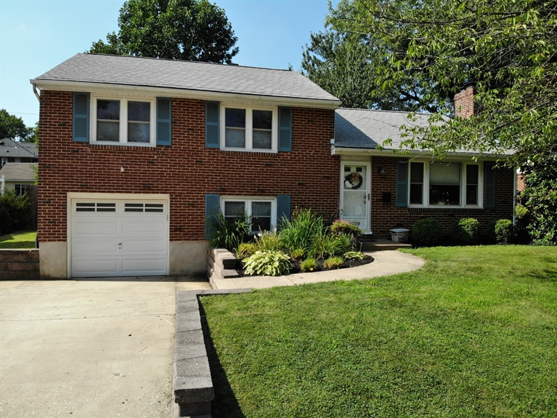 Real Estate Photography - 1209 Mayfield Rd, Wilmington, DE, 19803 - Double Driveway & Great Curb Appeal!