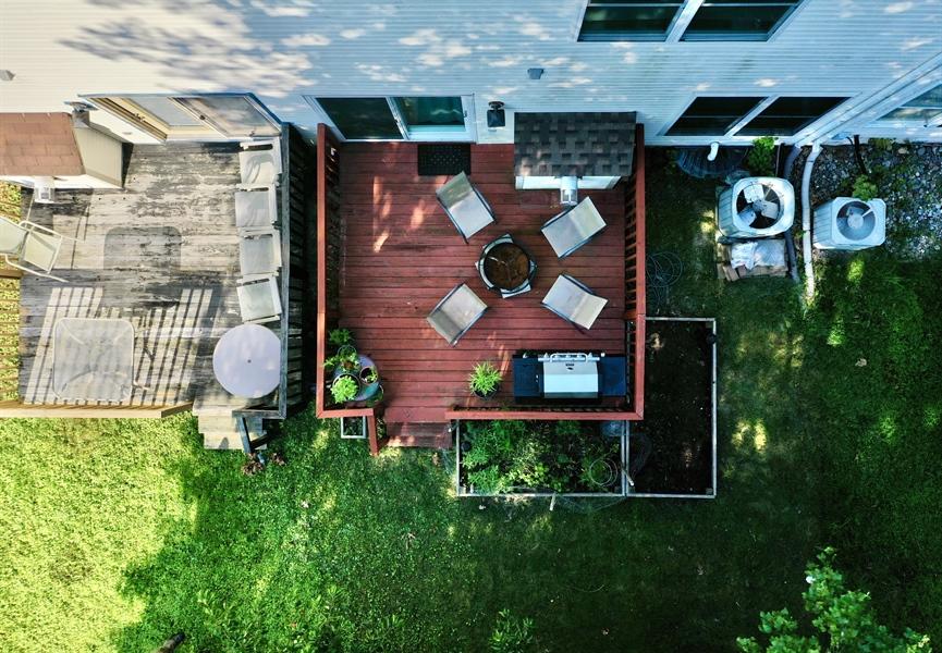 Real Estate Photography - 10 Ellendale Ct, Bear, DE, 19701 - Deck