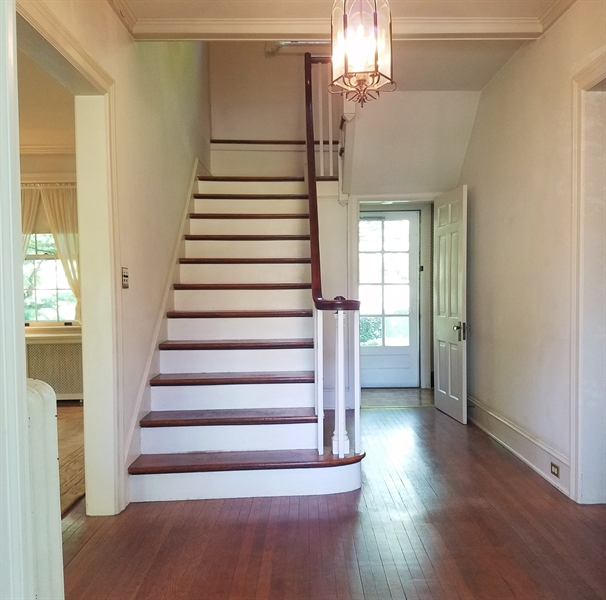 Real Estate Photography - 12 Cragmere Rd, Wilmington, DE, 19809 - Entry hall staircase