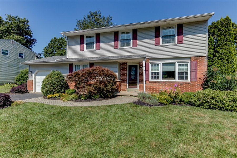 Real Estate Photography - 2623 Dartmouth Woods Rd, Wilmington, DE, 19810 - Location 1